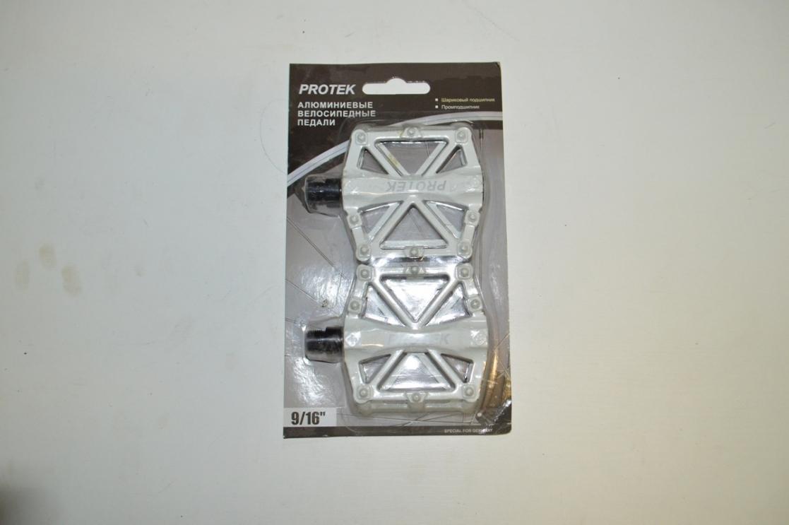 Педаль алюминиевая МТВ белая 3032603-741 инд.уп, код 90139