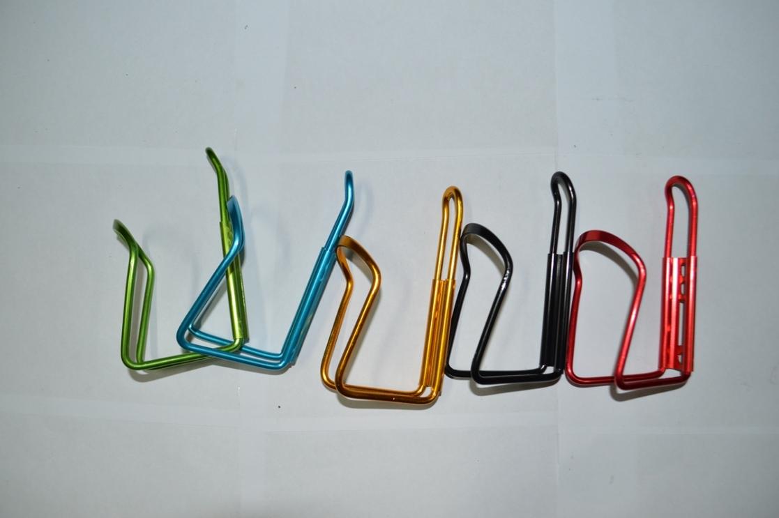 Флягодержатель алюмин. разных цвет.+креп.на руль 3234087-17, код 8172